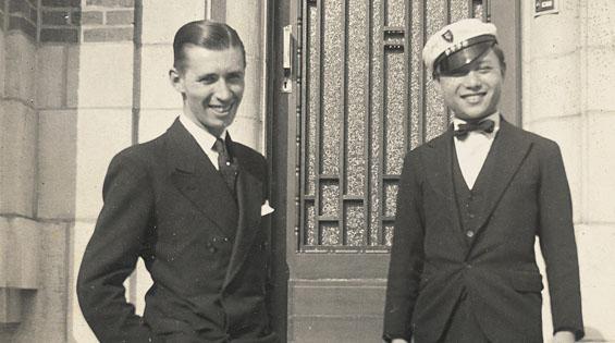 1935年艾爾吉與張充仁的合照。(圖取自官網tintin.com)